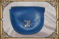D-Tasche blau mit Hakenschließe